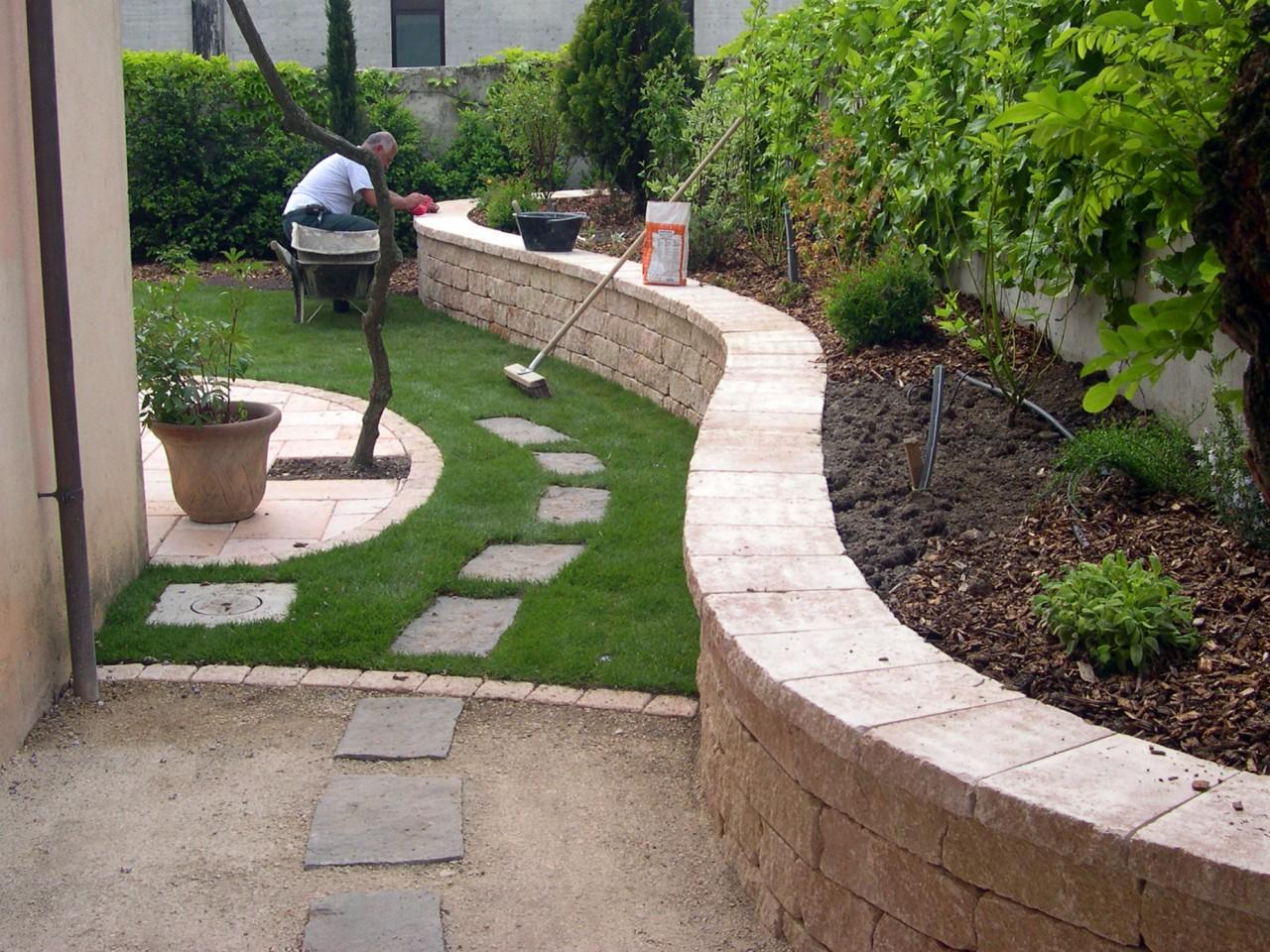 Création de petits jardins